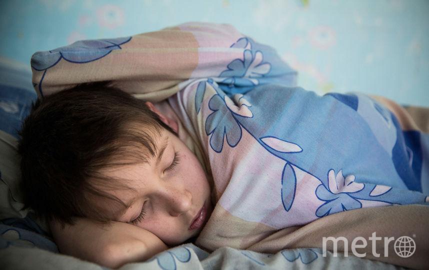 Недосыпанием считался режим, при котором дети до 12 лет спали менее девяти часов в день, а подростки старше 12 - менее восьми часов в сутки. Фото Getty