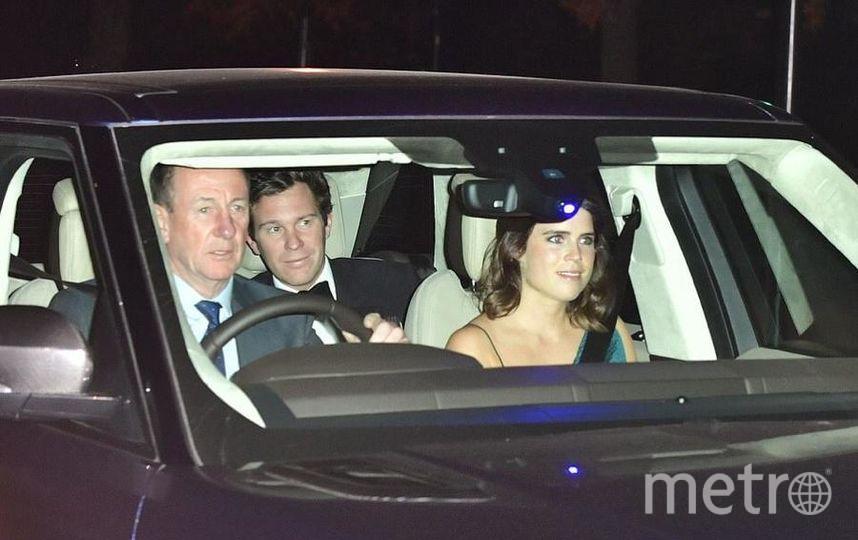 """Члены королевской семьи прибывают на торжество. Фото соцсети, """"Metro"""""""