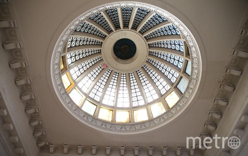 Купола «греческого храма» располагаются в обоих вестибюлях станции. Фото Василий Кузьмичёнок