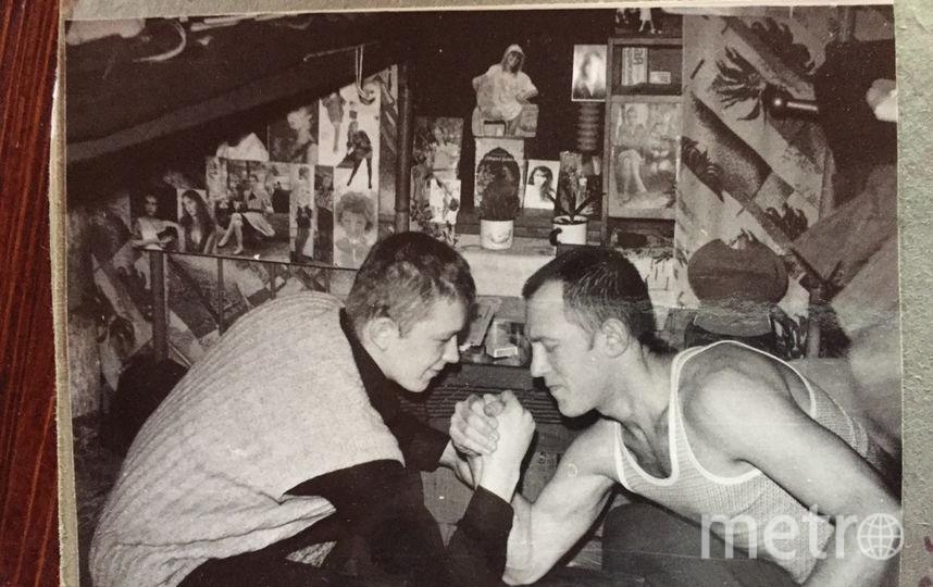 Михаил Орский (справа) в колонии, 1989 год. Фото предоставлено героем публикации.