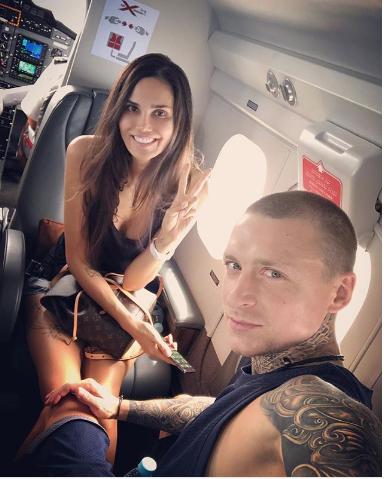 Футболист Павел Мамаев с женой Аланой. Фото www.instagram.com/alana_mamaeva