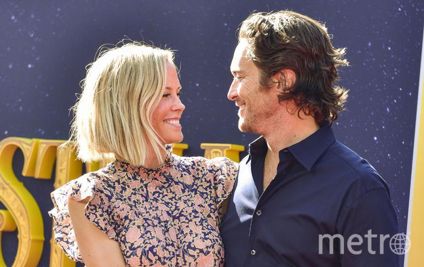 Оливер Хадсон с женой Эринн Бартлетт. Фото Getty