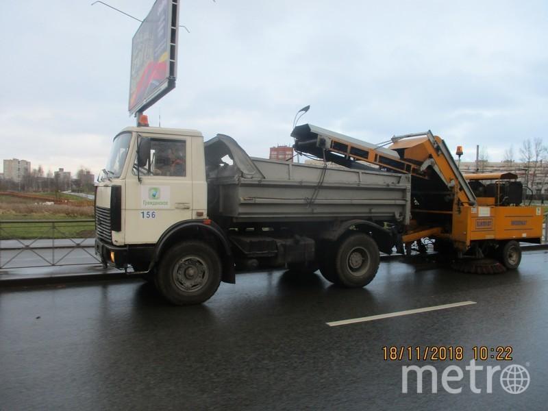 В Петербурге с улиц убрали более 3 тысяч тонн мусора. Фото gov.spb.ru
