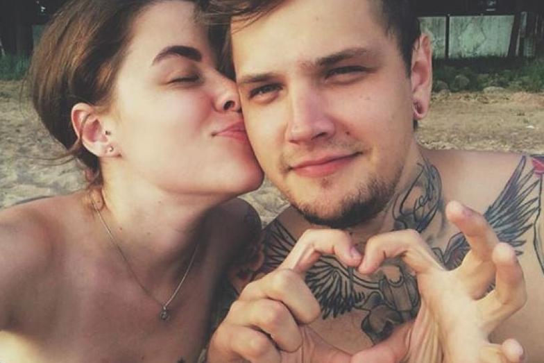Дмитрий и Александра поженились этим летом, а в октябре отправились в длительное свадебное путешествие. Фото скриншот https://www.instagram.com/pomporum/