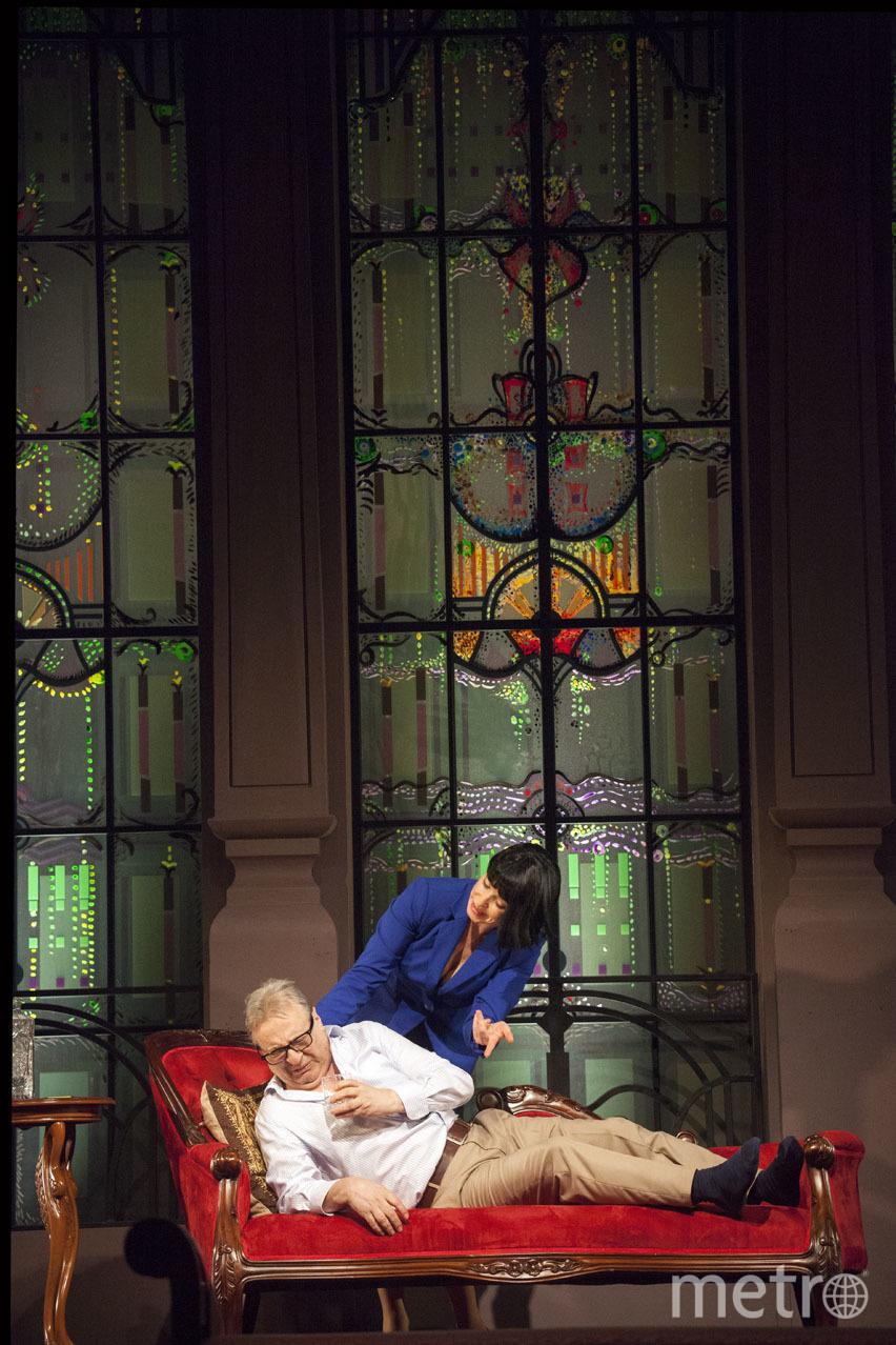Геннадий Хазанов и Анна Большова на сцене театра. Фото Александр Стернин