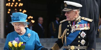 И в горе, и в радости: Елизавета II и принц Филипп отмечают 71-ю годовщину свадьбы
