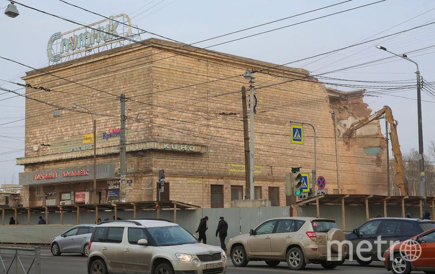 «Спутник» на Бабушкина снесли – на его месте должен появиться торговый центр. Фото Светлана Холявчук , Интерпресс