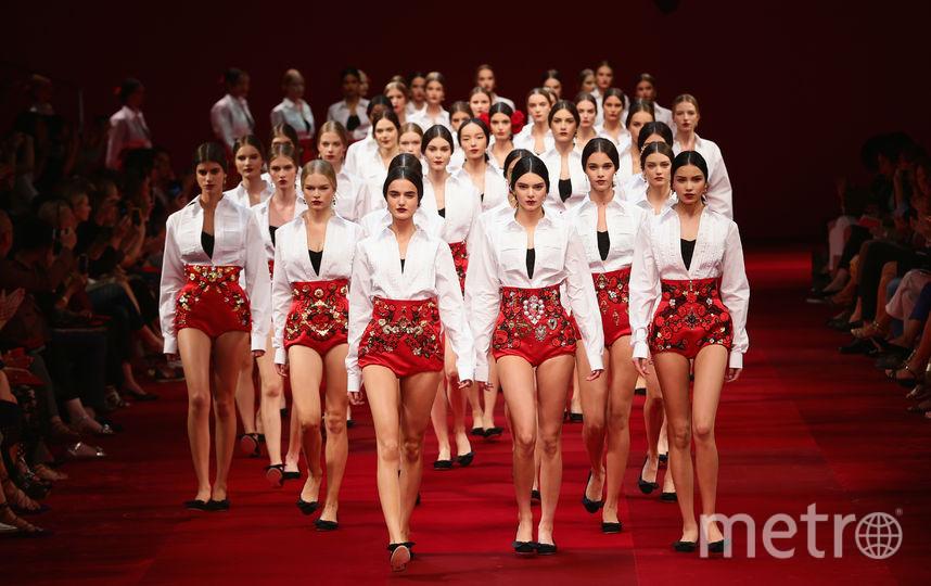 Из-за скандала компания была вынуждена отменить показ в Шанхае. Архивное фото. Фото Getty