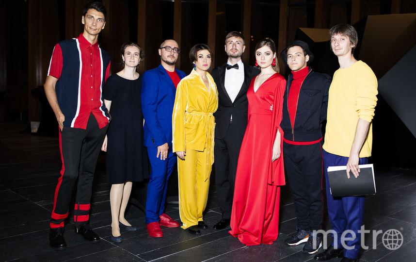 Илья Демуцкий с артистами оперы. Фото Наташа Польская.