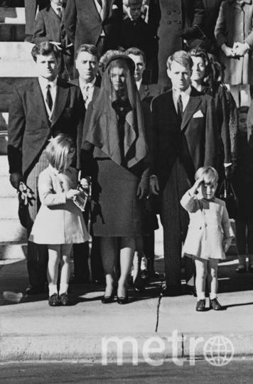 Жаклин Кеннеди на похоронах мужа вместе с детьми. Фото Getty