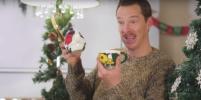 Бенедикт Камбербэтч показал, как надо реагировать на бесполезные подарки: видео