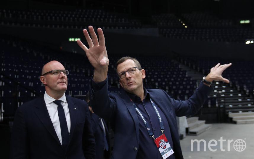 Президент КХл Дмитрий Чернышенко (слева) осматривает арену в Цюрихе. Фото Юрий Кузьмин, Андрей Голованов, photo.khl.ru