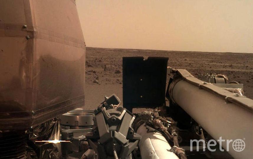 Таким видит Марс исследовательский аппарат NASA InSight.