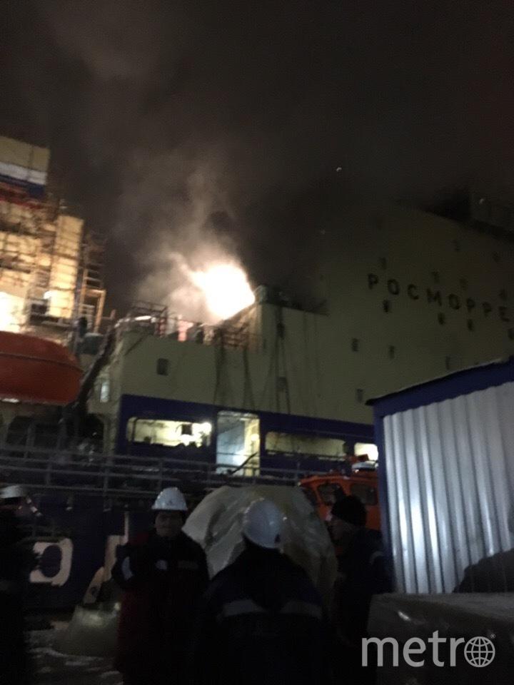 Пожар произошел на строящемся дизель-электрическом ледоколе. Фото vk.com
