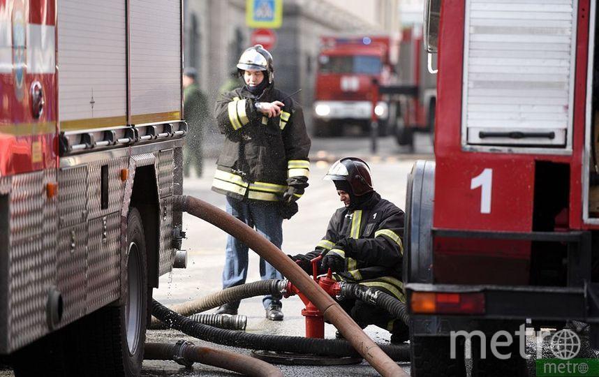 Пожар произошёл на территории Успенской церкви в Москве. Фото Василий Кузьмичёнок