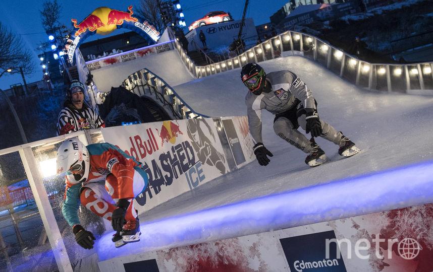 Спортсменам на трассе необходимо преодолевать препятствия. Фото redbullcontentpool.com