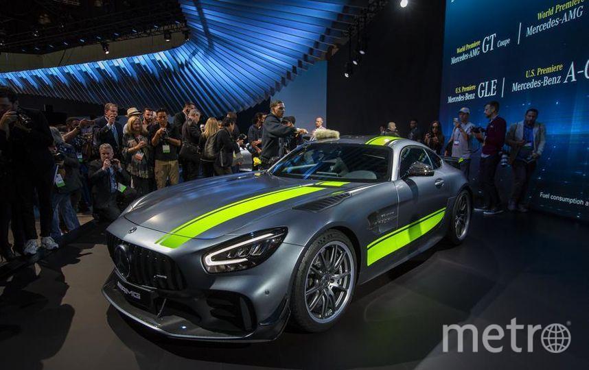 Новинки автосалона в Лос-Анджелесе. Mercedes-AMG GT R Pro. Фото Getty