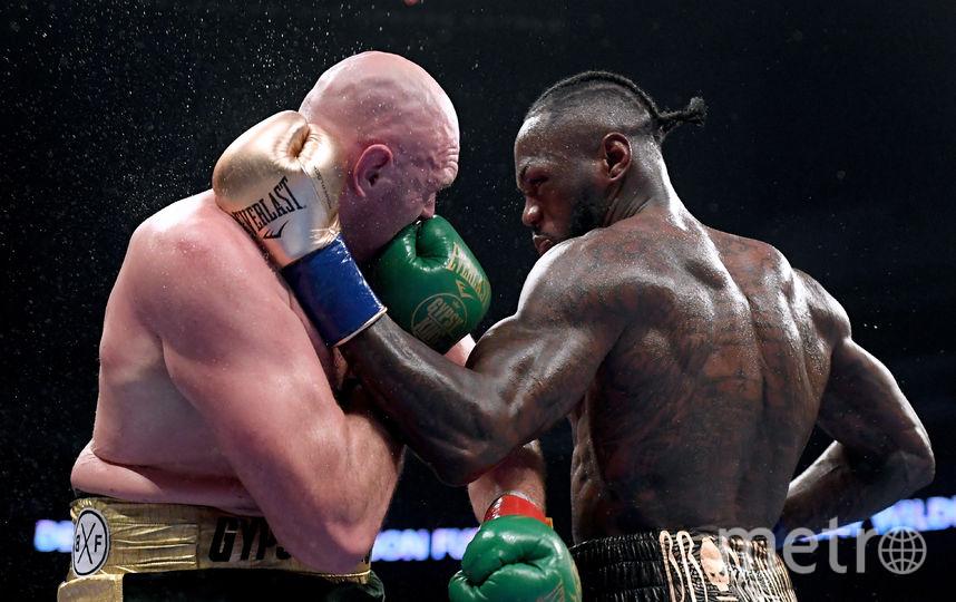 После боя боксёры тепло приветствовали друг друга. Фото Getty