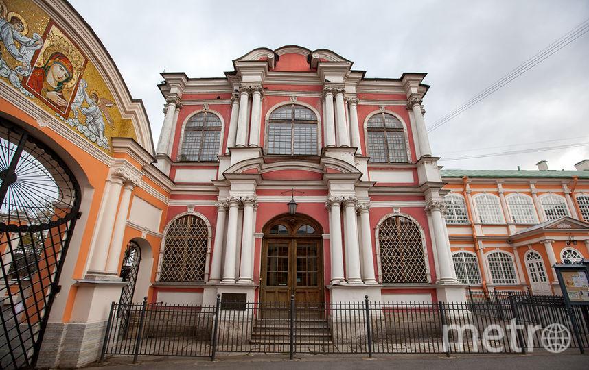 Благовещенскую церковь лавра хочет вернуть себе давно. Фото www.lavra.spb.ru