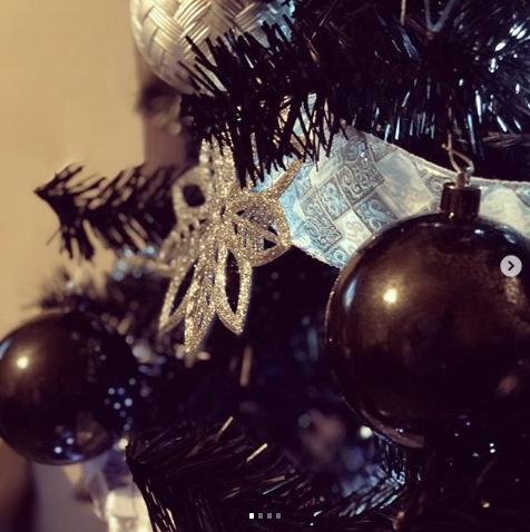Чёрная ёлка. Фото instagram.com/king_brobert
