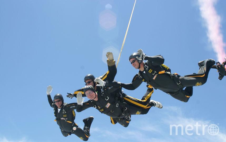 Джордж Буш старший был активным до последних дней. В 90 лет он совершил прыжок с парашютом. Фото Getty