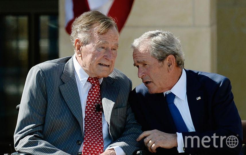 Джордж Буш-старший и его сын. Фото Getty