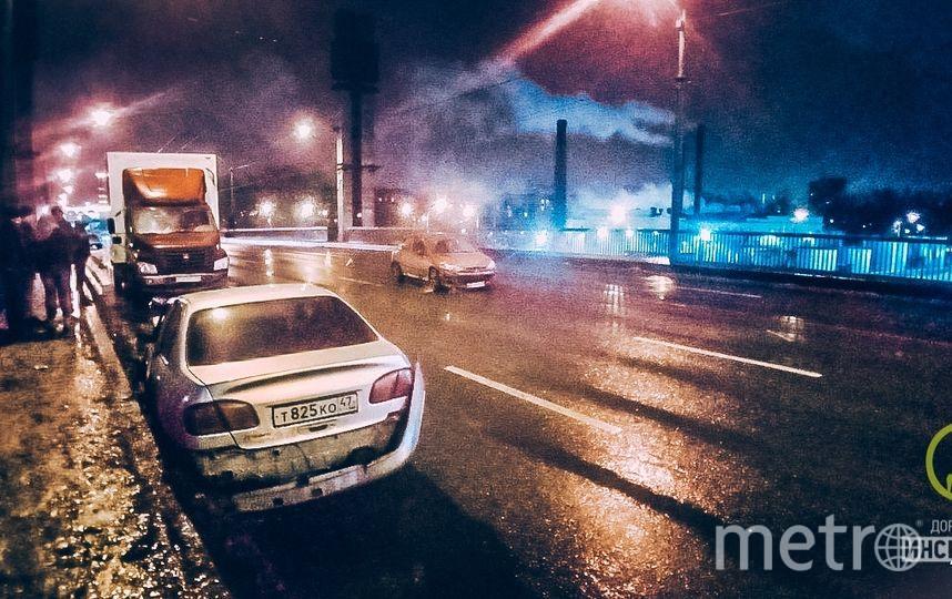 Фото с места ДТП на Невском путепроводе. Фото https://vk.com/dorinspb, vk.com