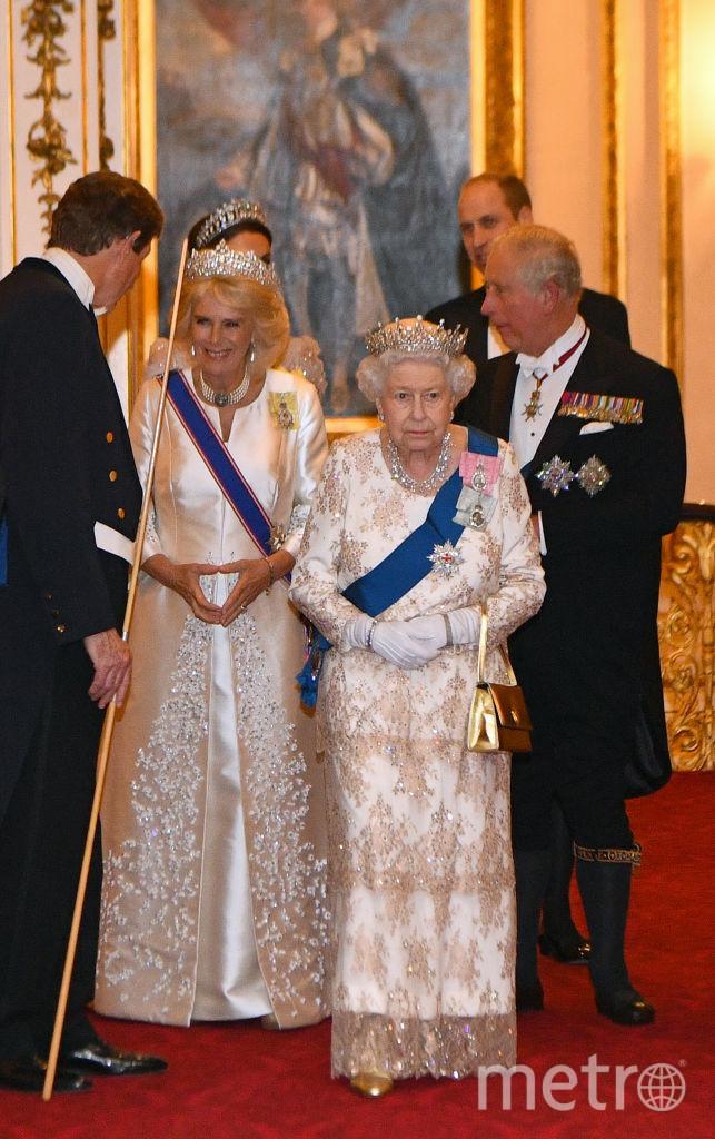 Королева Елизавета II, принц Чарльз и его супруга Камилла, принц Уильям и Кейт Миддлтон. Фото Getty