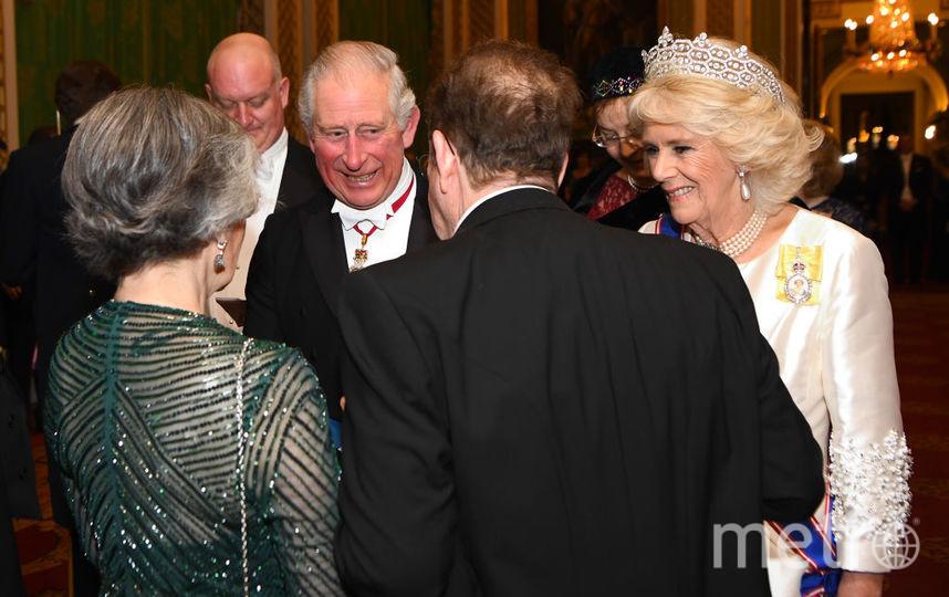 Принц Чарльз и его супруга Камилла с гостями. Фото Getty
