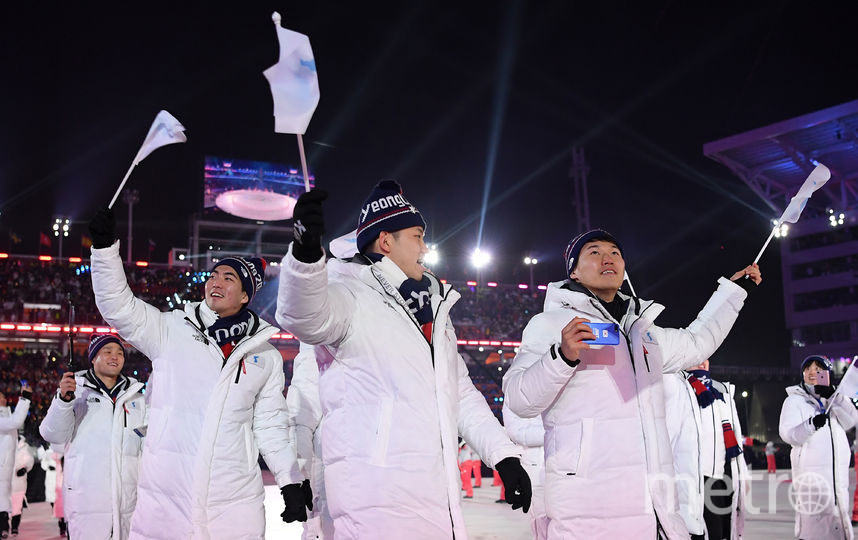 На Олимпиаде 2018 года команды сборных Сеерной и Южной Кореи прошли под одним флагом. Фото Getty