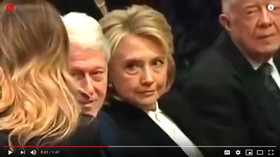 Взгляд Хиллари был тяжелым и недобрым. Фото Скриншот Youtube