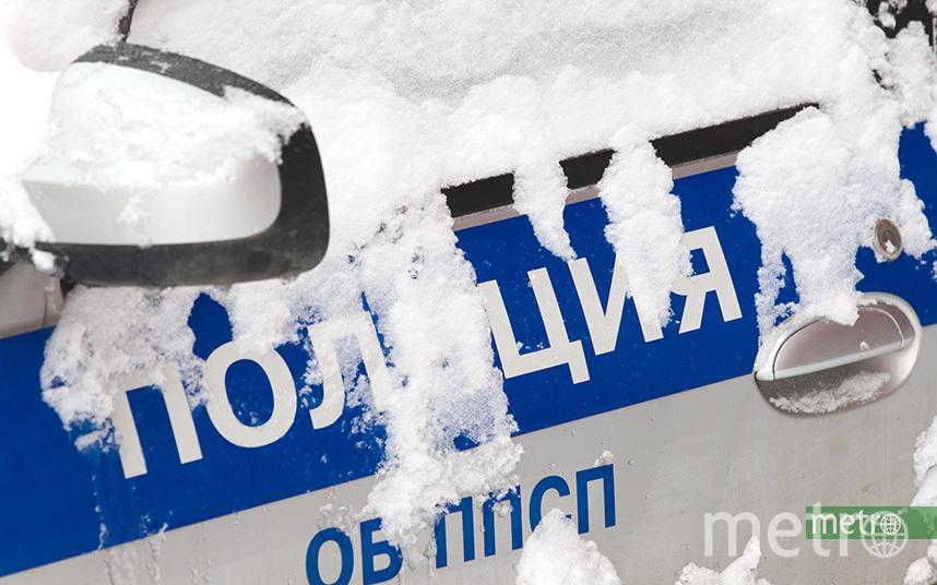 Территорию школы оцепила полиция. Фото Василий Кузьмичёнок