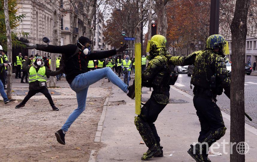 Протестные акции сопровождались погромами, поджогами и столкновениями с полицией. Фото AFP