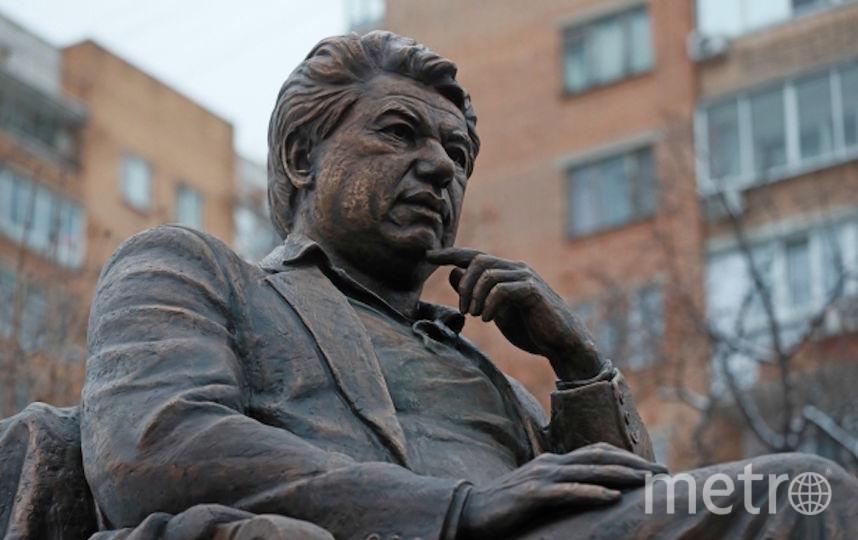 Памятник Чингизу Айтматову открыли в Москве. Фото РИА Новости