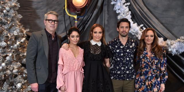 """Дженнифер Лопес с командой фильма """"Начни сначала""""."""