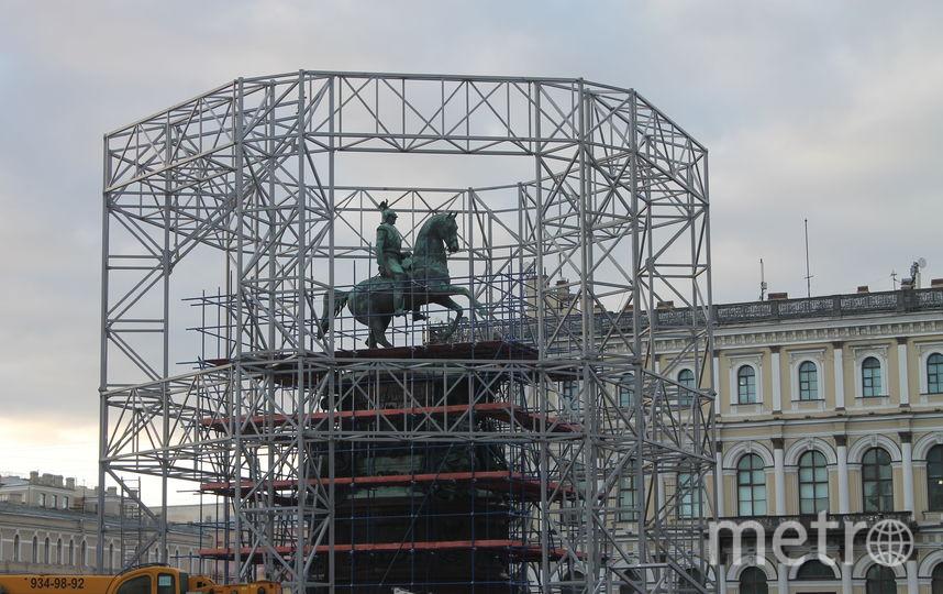 Специалисты постарались, чтобы облик площади не пострадал. Фото КГИОП