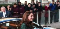 Кейт Миддлтон в одном платье пробежалась по Лондону в декабре: фото