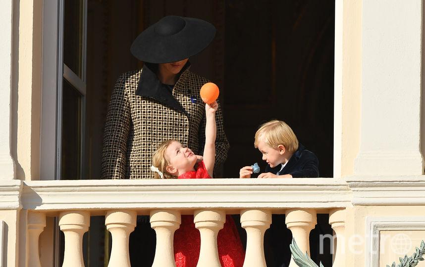 Княгиня Монако Шарлен и ее маленькие дети. Фото Getty
