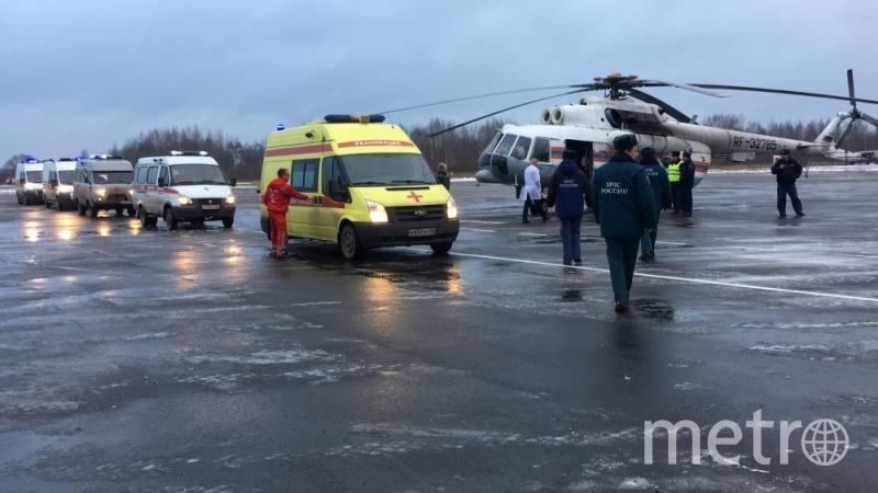 Пострадавших в ДТП вертолетом доставили в Петербург. Фото МЧС Псковской области