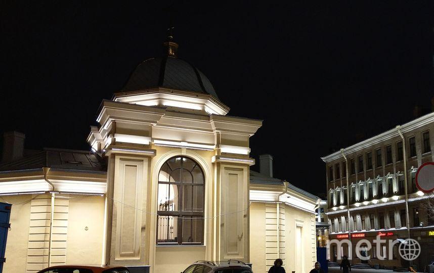 """Новая мемориальная Спасская церковь. Алтарная часть - реконструированный объем часовни во имя вмч. Иоанна Нового.. Фото https://vk.com/o.bumazhenko, """"Metro"""""""