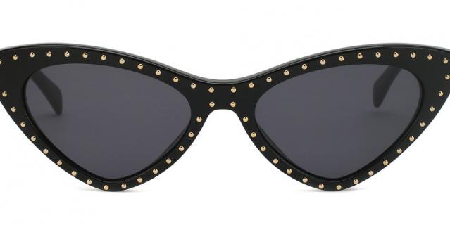 Солнцезащитные очки Moschino 18 800 – 19 000 руб.