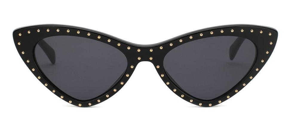 Солнцезащитные очки Moschino 18 800 – 19 000 руб. Фото Предоставлено пресс-службой