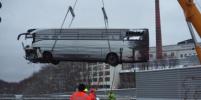 Автобус врезался в стену, есть жертвы: подробности, видео ДТП в Швейцарии