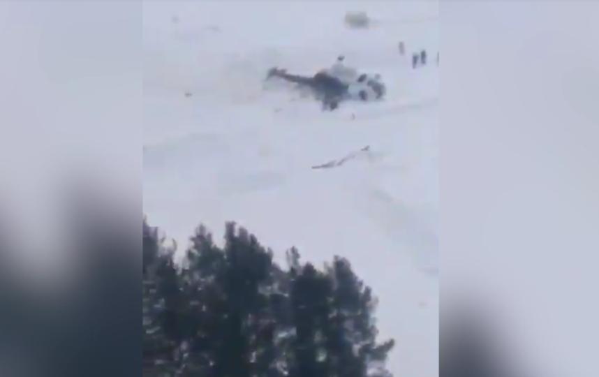 В результате жесткой посадки МИ-8 пострадали пятеро человек. Фото скриншот видео 5tv.ru