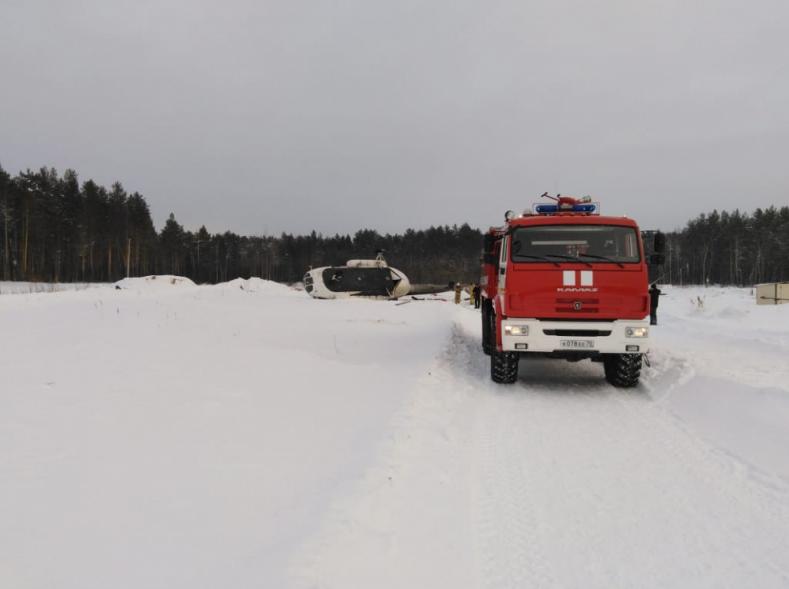В результате жесткой посадки МИ-8 пострадали пятеро человек. Фото www.70.mchs.gov.ru/