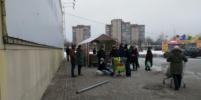 В Петербурге на мужчину упал столб, сбитый маршруткой