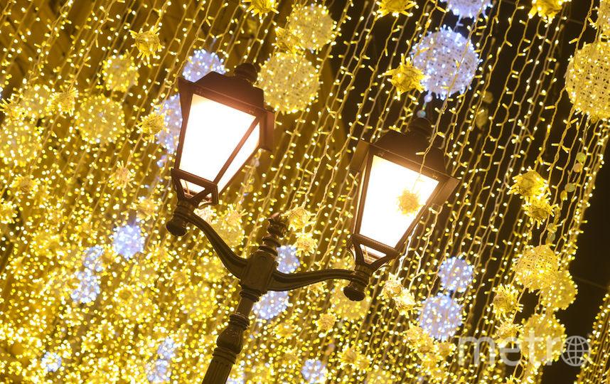 Иллюминации и декорации создают атмосферы праздника. Фото Василий Кузьмичёнок