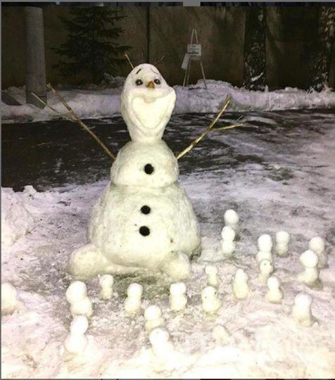 """Instagram-снеговики. Фото https://www.instagram.com/logoped_cat/, """"Metro"""""""