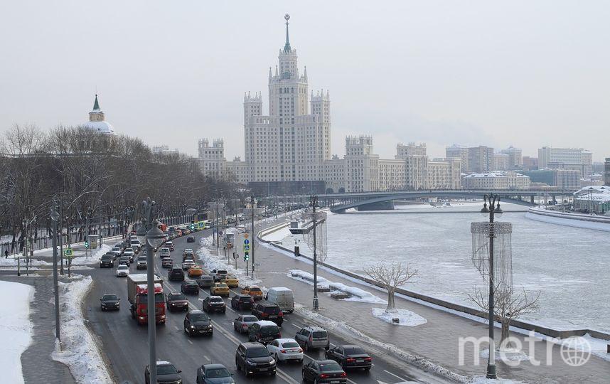 Из-за предновогоднего ажиотажа число машин на дорогах Москвы уже выросло на 5%. Фото pixabay