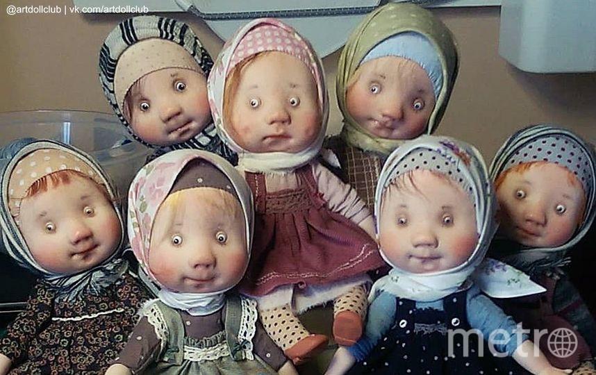 """Украшения для подоконника. Фото vk.com ВРЕМЯ КУКОЛ №22 – выставка кукол и мишек Тедди, """"Metro"""""""
